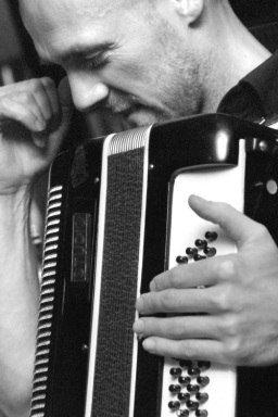 accordion main promo shot_2